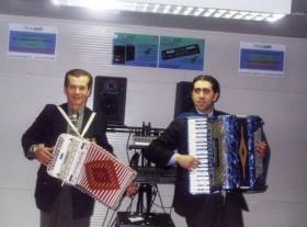 Gennaro Ruffolo in duo con fisarmonica e organetto, entrambi equ