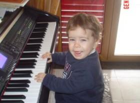 PICCOLO MUSICISTA ALLE PRIME ARMI, mio figlio ALFONSO 18 mesi di