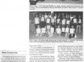 Il M° Ruffolo con la commissione che ha esaminato gli allievi della scuola Luciano Fancelli nel Giugno 2002 e poi tra gli allievi, in due foto riportate su Strumenti e Musica.
